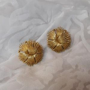 VTG Gold Monet Earrings